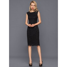 Sheath/Column Scoop Neck Knee-Length Lace Cocktail Dress With Beading (016140393)