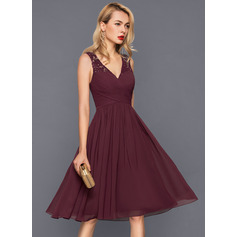 A-Line/Princess V-neck Knee-Length Chiffon Cocktail Dress With Ruffle (016140364)