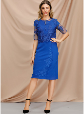 Sheath/Column Scoop Neck Knee-Length Cocktail Dress With Lace