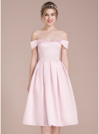 A-Line/Princess Off-the-Shoulder Knee-Length Satin Bridesmaid Dress