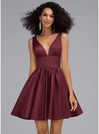 A-Line V-neck Short/Mini Satin Homecoming Dress With Pockets