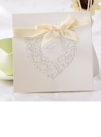 Stile Cuore Fold Top Invitation Cards con Nastri (Set di 10)