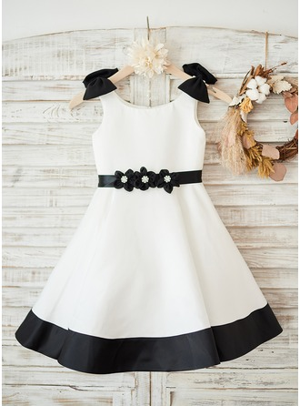 A-Line/Princess Knee-length Flower Girl Dress - Satin Sleeveless Scoop Neck With Bow(s) (Detachable sash)