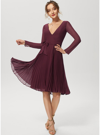 A-Line V-neck Knee-Length Chiffon Cocktail Dress With Bow(s) Pleated