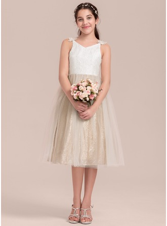 A-Line/Princess V-neck Knee-Length Tulle Junior Bridesmaid Dress