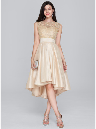 A-Line/Princess Scoop Neck Asymmetrical Taffeta Homecoming Dress