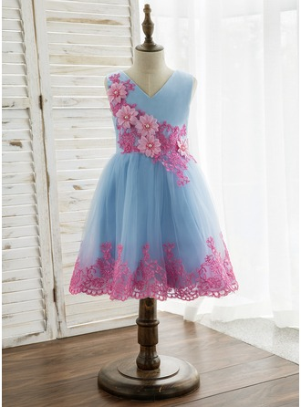 A-Line/Princess Knee-length Flower Girl Dress - Tulle/Lace Sleeveless V-neck With Lace