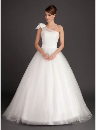 Ball-Gown One-Shoulder Sweep Train Tulle Wedding Dress With Ruffle Bow(s)