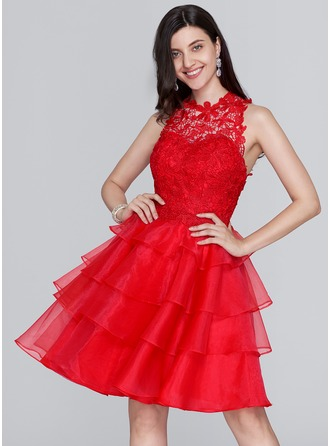 A-Line/Princess Scoop Neck Knee-Length Organza Homecoming Dress