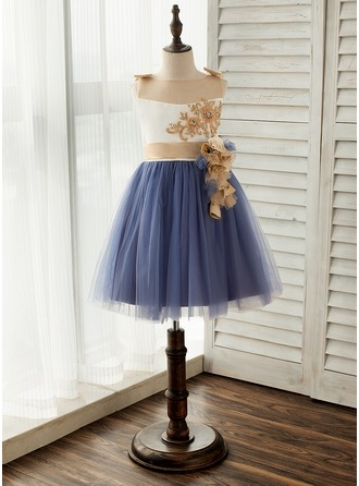 A-Line/Princess Knee-length Flower Girl Dress - Satin/Tulle Sleeveless Scoop Neck With Flower(s)/Bow(s)
