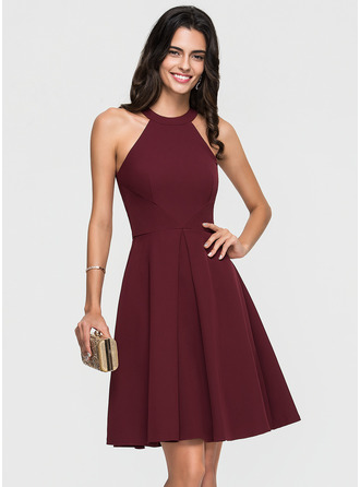 A-Line/Princess Scoop Neck Knee-Length Stretch Crepe Homecoming Dress With Ruffle