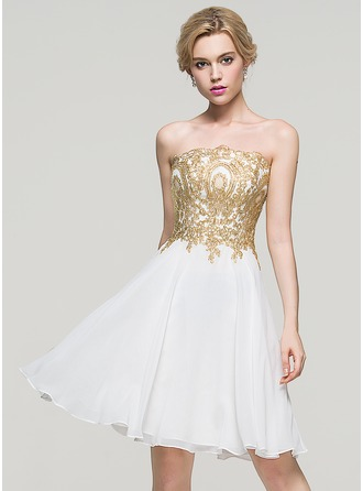 A-Line Strapless Knee-Length Chiffon Homecoming Dress