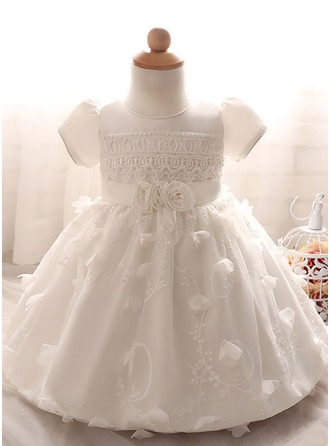 A-Line/Princess Knee-length Flower Girl Dress - Tulle/Polyester Short Sleeves Scoop Neck With Appliques/Flower(s)
