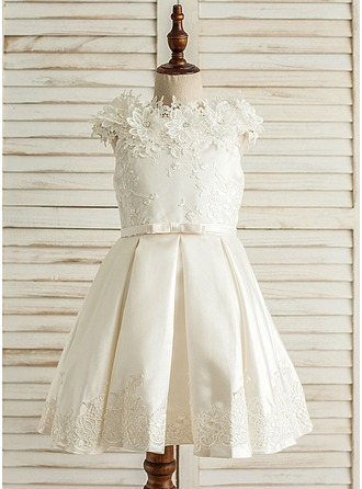 A-Line/Princess Knee-length Flower Girl Dress - Satin/Tulle Sleeveless Scoop Neck With Sash/Appliques