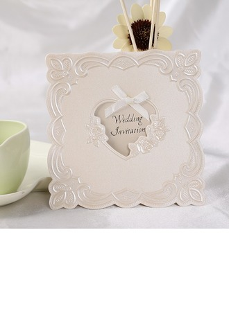 Stile Cuore Fold Top Invitation Cards con Nastri (Set di 50)