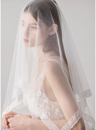 Two-tier Lace Applique Edge Waltz Bridal Veils With Lace