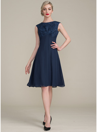 A-Line/Princess Scoop Neck Knee-Length Chiffon Lace Cocktail Dress With Ruffle