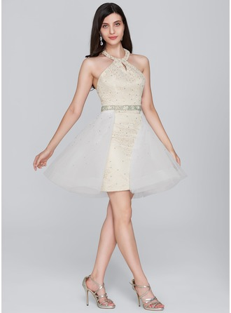 Sheath/Column Halter Short/Mini Tulle Lace Homecoming Dress With Beading Sequins