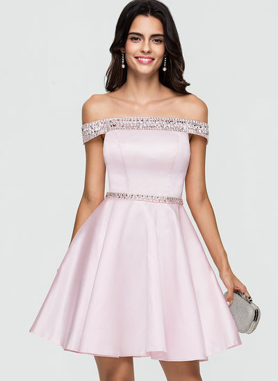 A-formet/Prinsesse Off-the-Shoulder Kort/Mini Satin Ballkjole med Profilering paljetter