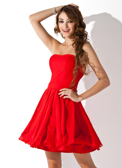 A-Line/Princess Sweetheart Short/Mini Chiffon Homecoming Dress With Cascading Ruffles