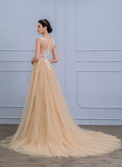 A-Line/Princess Scoop Neck Court Train Tulle Lace Wedding Dress