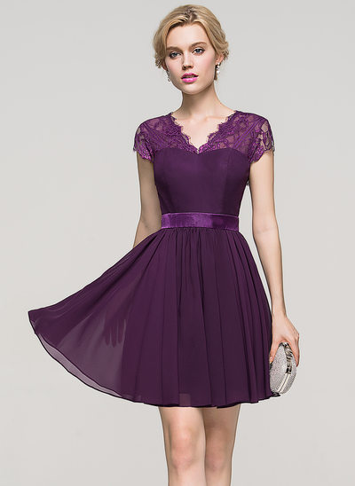 A-Line/Princess V-neck Short/Mini Chiffon Homecoming Dress With Bow(s)
