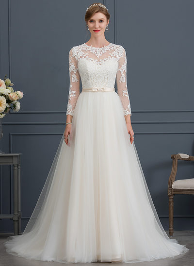 Ball-Gown/Princess Scoop Neck Court Train Tulle Wedding Dress With Bow(s)