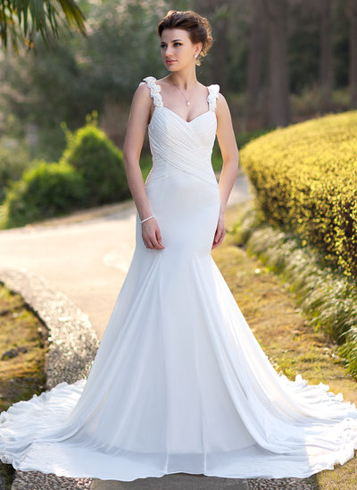 Trumpet/Mermaid Sweetheart Chapel Train Chiffon Wedding Dress With Ruffle Beading