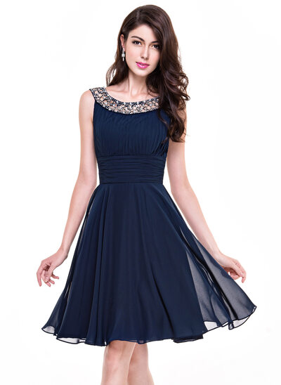 A-Line/Princess Scoop Neck Knee-Length Chiffon Cocktail Dress With Ruffle Beading