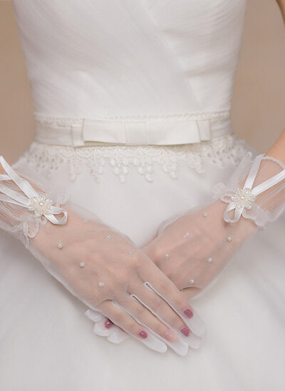 Lace Wrist Length Bridal Gloves With Beading/Lace Flower