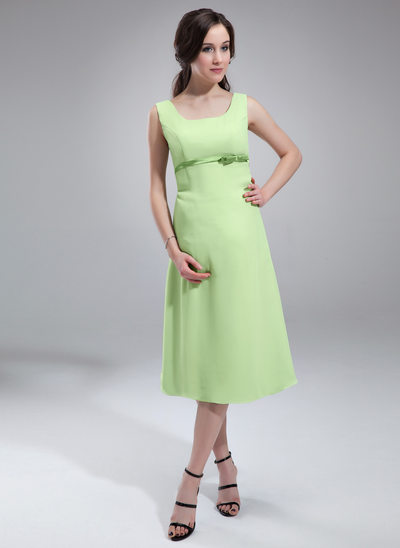 A-Line Scoop Neck Knee-Length Chiffon Maternity Bridesmaid Dress With Sash Bow(s)