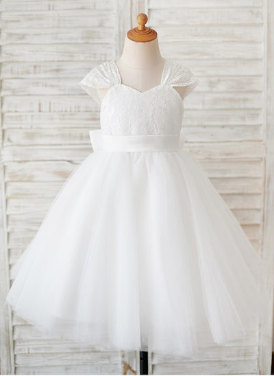 Ball-Gown/Princess Knee-length Flower Girl Dress - Tulle/Lace Short Sleeves V-neck