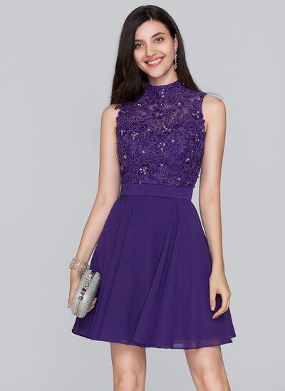 A-Line/Princess High Neck Short/Mini Chiffon Homecoming Dress With Beading Sequins