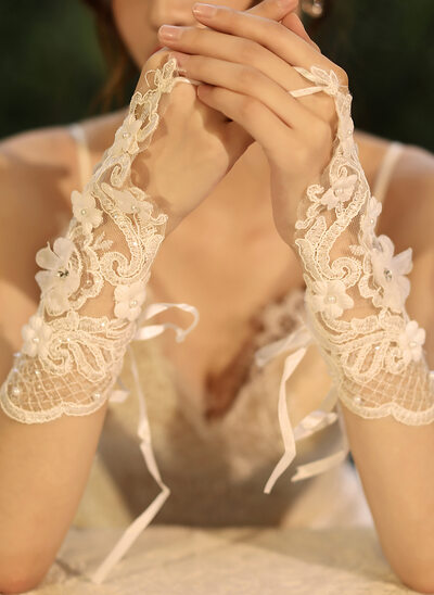 Tulle/Lace Wrist Length Bridal Gloves With Sequins/Imitation Pearls