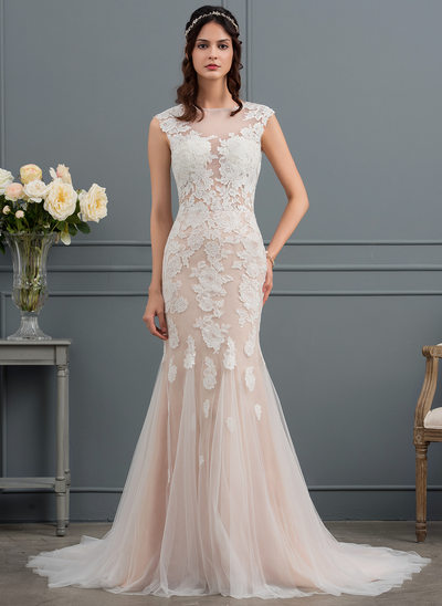 Trumpet/Mermaid Scoop Neck Court Train Tulle Wedding Dress With Appliques Lace