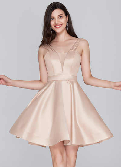 A-linje Sweetheart Kort/Mini Satin Homecoming Kjole