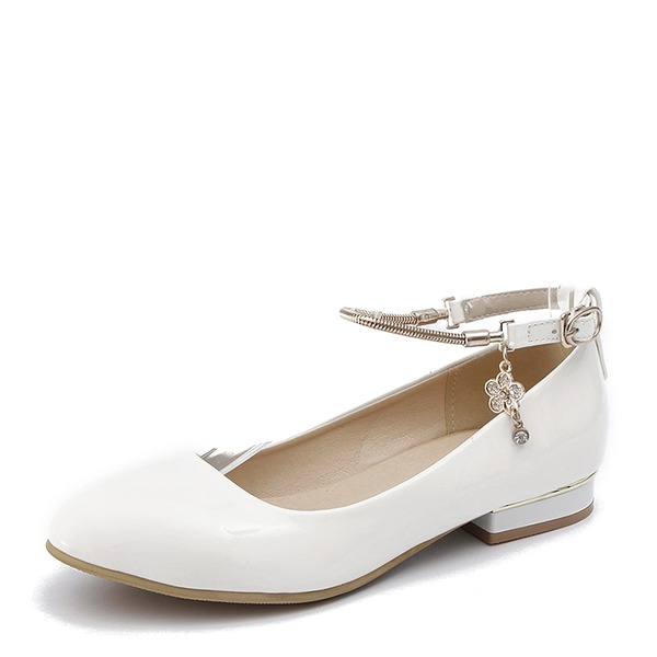 Kadın PU Düz Topuk Daireler Kapalı Toe Ile Zincir ayakkabı