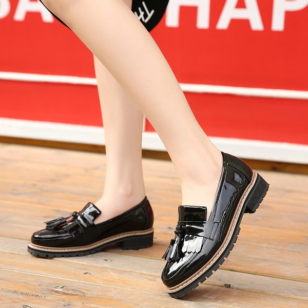 Women's Patent Leather Low Heel Flats Closed Toe With Tassel shoes