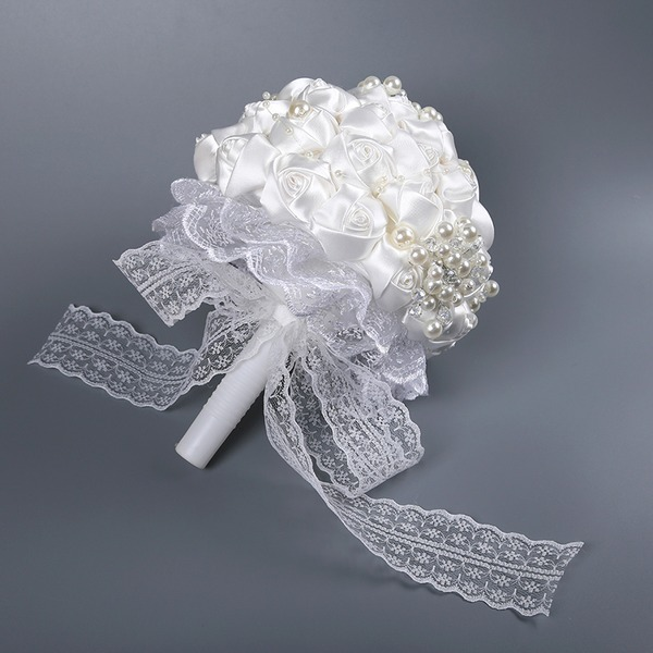 Hand-tied Lace/Imitation Pearl Bridal Bouquets/Bridesmaid Bouquets (Sold in a single piece) -