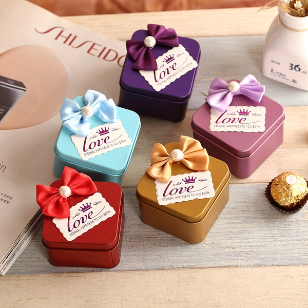 Cuboid Favor Tin With Bow (Set of 12)