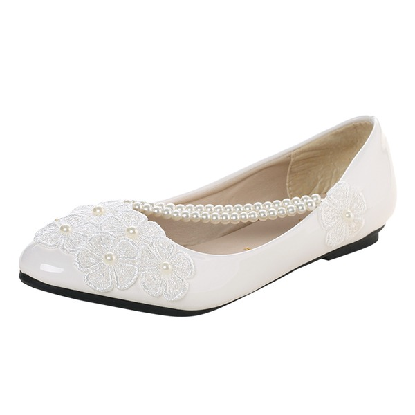 Women's Lace Leatherette Flat Heel Closed Toe Flats With Imitation Pearl Applique