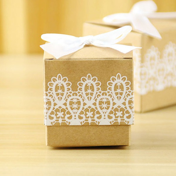 Creative/Classic/Elegant Cubic Card Paper Favor Boxes With Laces (Set of 12)