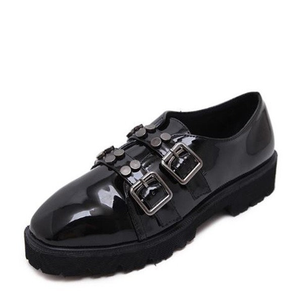 Women's PU Flat Heel Flats Closed Toe With Rivet Buckle shoes
