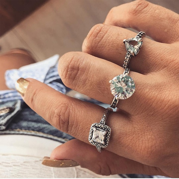 Fashional Alloy Rhinestones With Rhinestone Women's Fashion Rings (Set of 3)