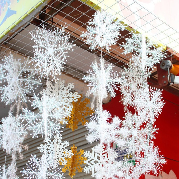Christmas Snow flakes White Snowflake Ornaments (6 pieces)