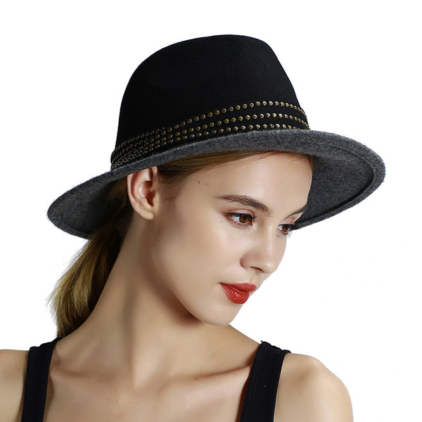 Ladies ' Elegant/Enkle Filt Bowler / Cloche Hat
