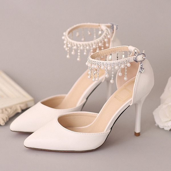 Vrouwen Kunstleer Stiletto Heel Closed Toe Pumps met Imitatie Parel Strass