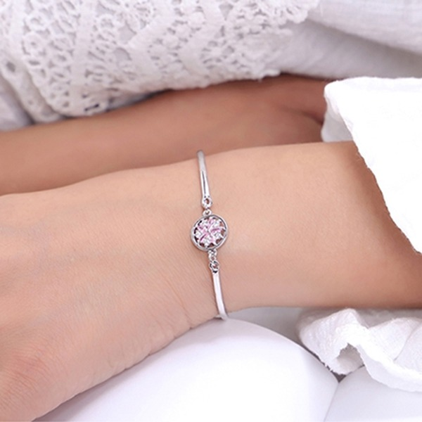 Flower Shaped Alloy Zircon With Zircon Fashion Bracelets (Sold in a single piece)